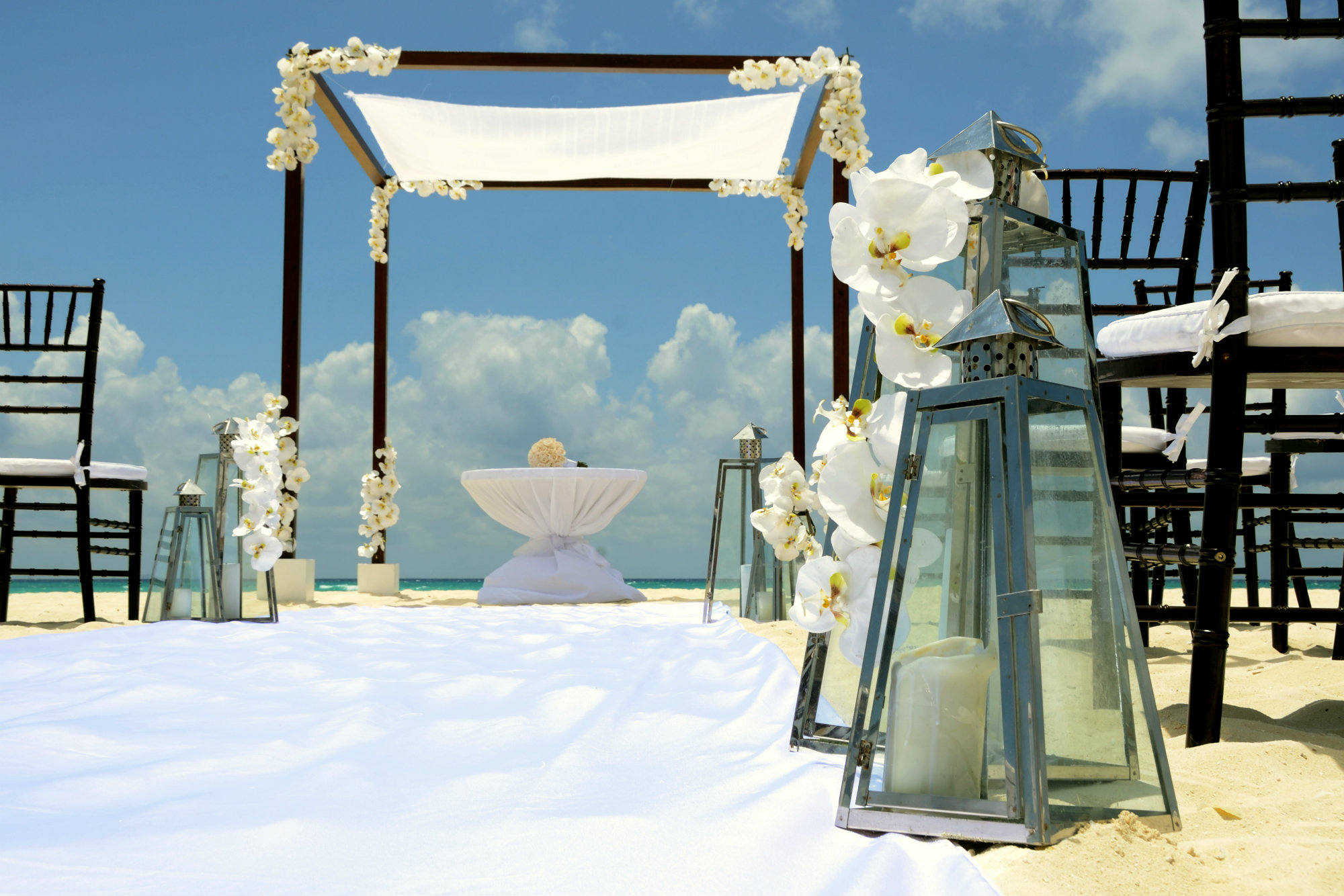 http://barceloweddings.com/uploads/85d6f6f4c0c1c4126508ecc33aeaee60.jpg